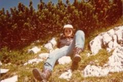 holzer_1976.jpg