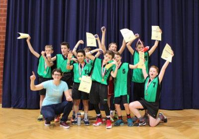 Wir sind Wiener Meister der 1. und 2. Klassen im Basketball!