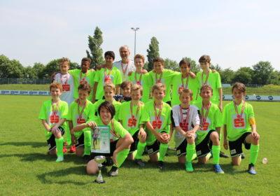 Fußball-Schülerligafinale: Sieger der Herzen und am Platz!