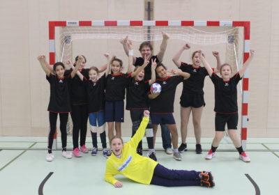 1.+2. Klasse HandballheldINNEN erreichen den hervorragenden 9. Platz beim Minihandballturnier